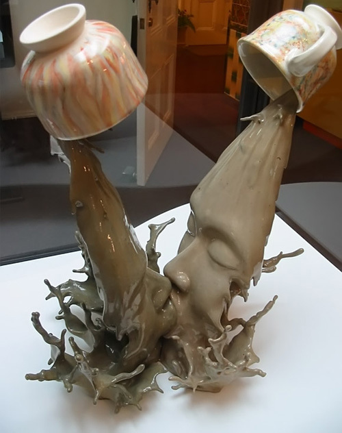 Coffee Kiss sculpture