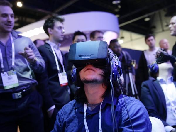 Documentarian Danfung Dennis wearing Oculus Rift