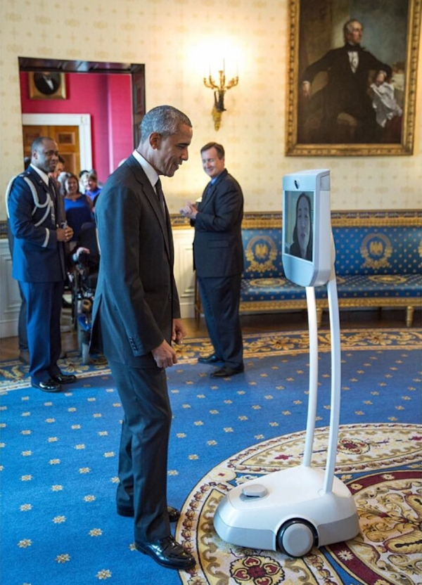 President Obama and Alice Wong (via telepresence robot) at the White House