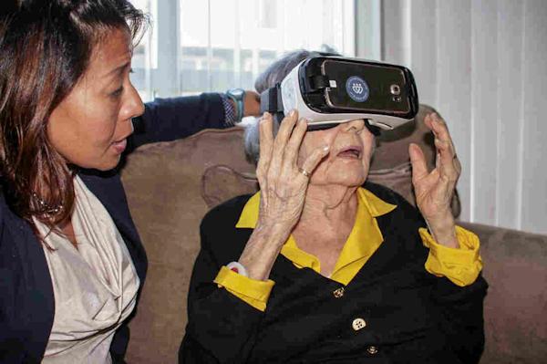 Client using VR for elderly