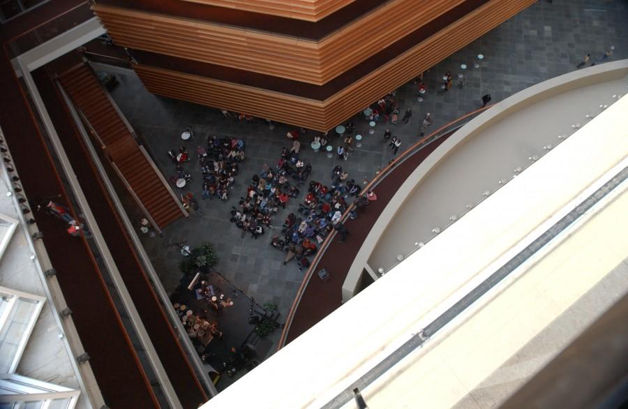 Lobby concert, Kimmel Center, Philadelphia, Pennsylvania, USA.  December 6, 2006.