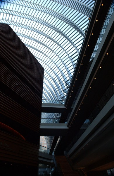 Kimmel Center, Philadelphia, Pennsylvania, USA.  December 17, 2007.